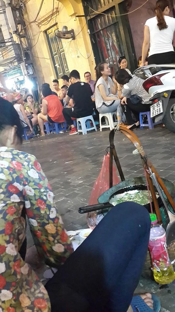 20150616_185548_LLS street seller
